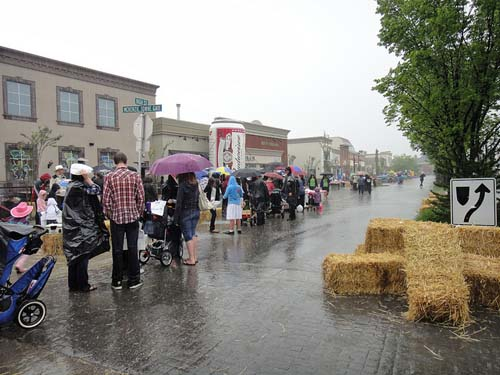 McKenzie Towne Stampede Breakfast - Image Credit: https://www.flickr.com/photos/calgaryreviews/5944974207/